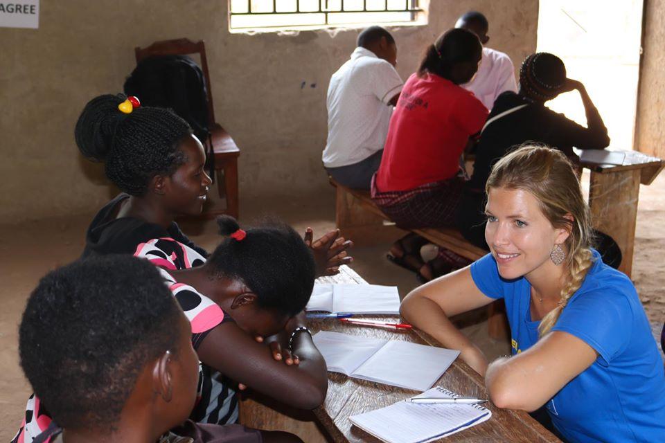 Volunteer with Love Uganda safaris