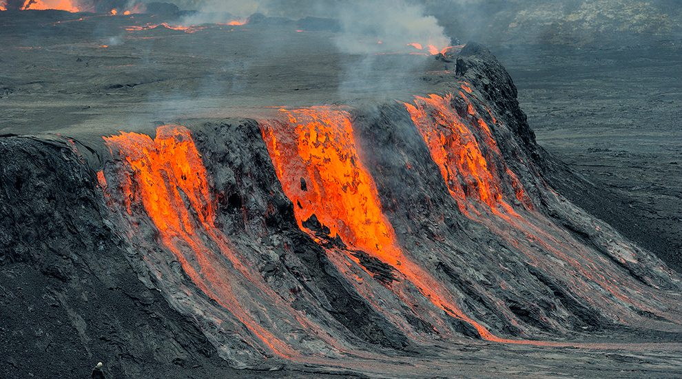 An image showing a lava flow from Mountain Nyiragongo